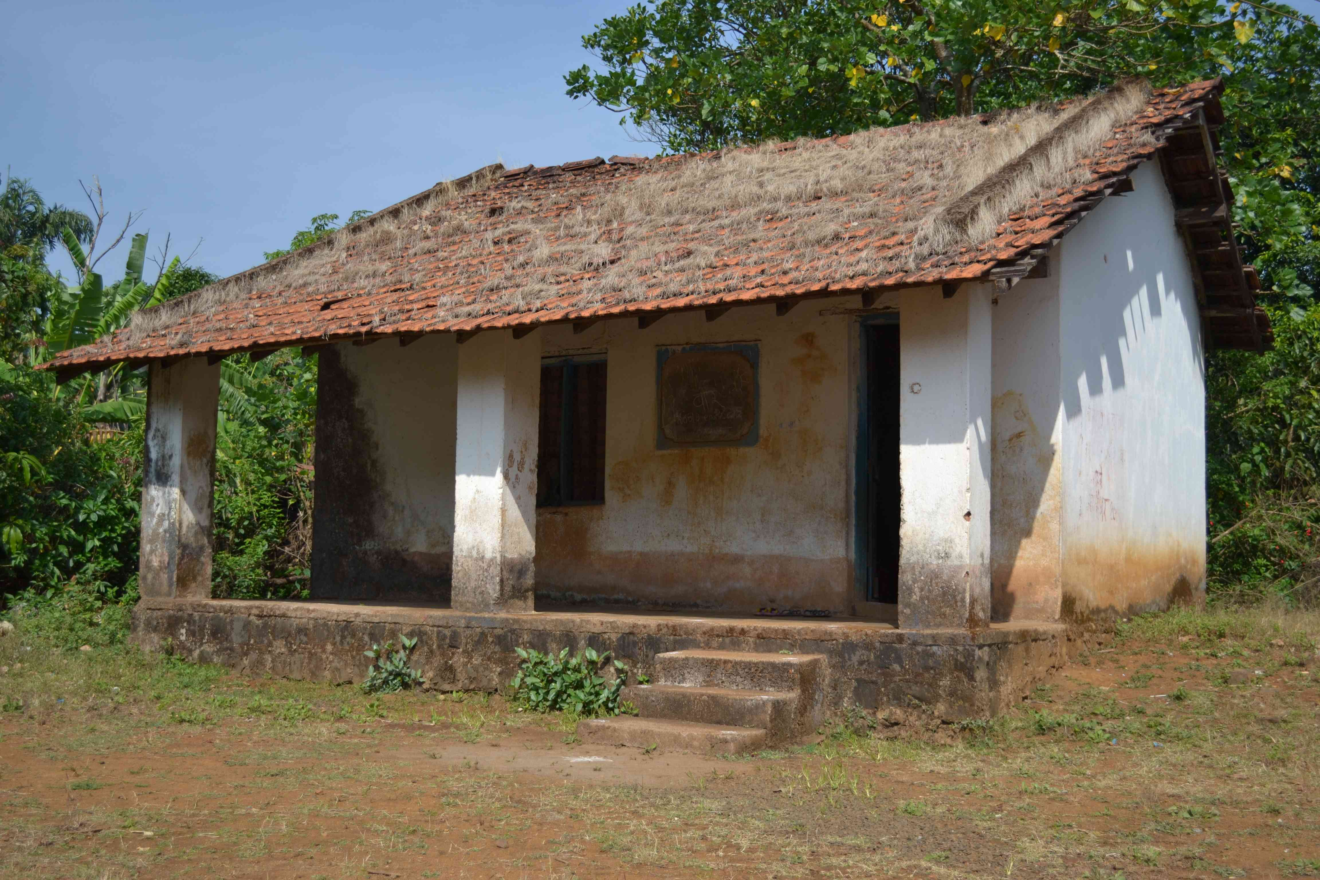Goan village naturally fun days for Small houses in india