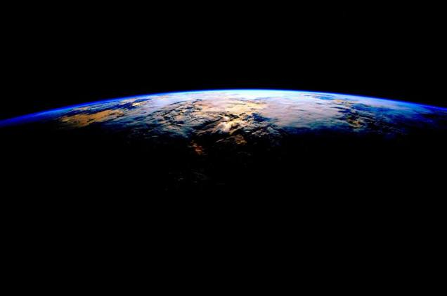 %22When you think of beautiful things. Don't forget Earth%22 Scott Kelly from ISS Feb 1 2016